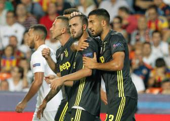 Ten man Juventus still too much for Valencia