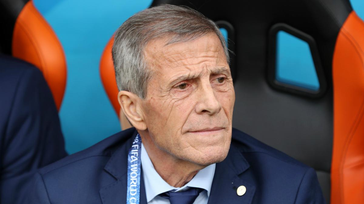 Tabárez: Uruguay's long-serving coach signs four-year extension