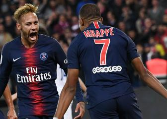 Neymar doffs his cap to Mbappé after Lyon four-goal haul