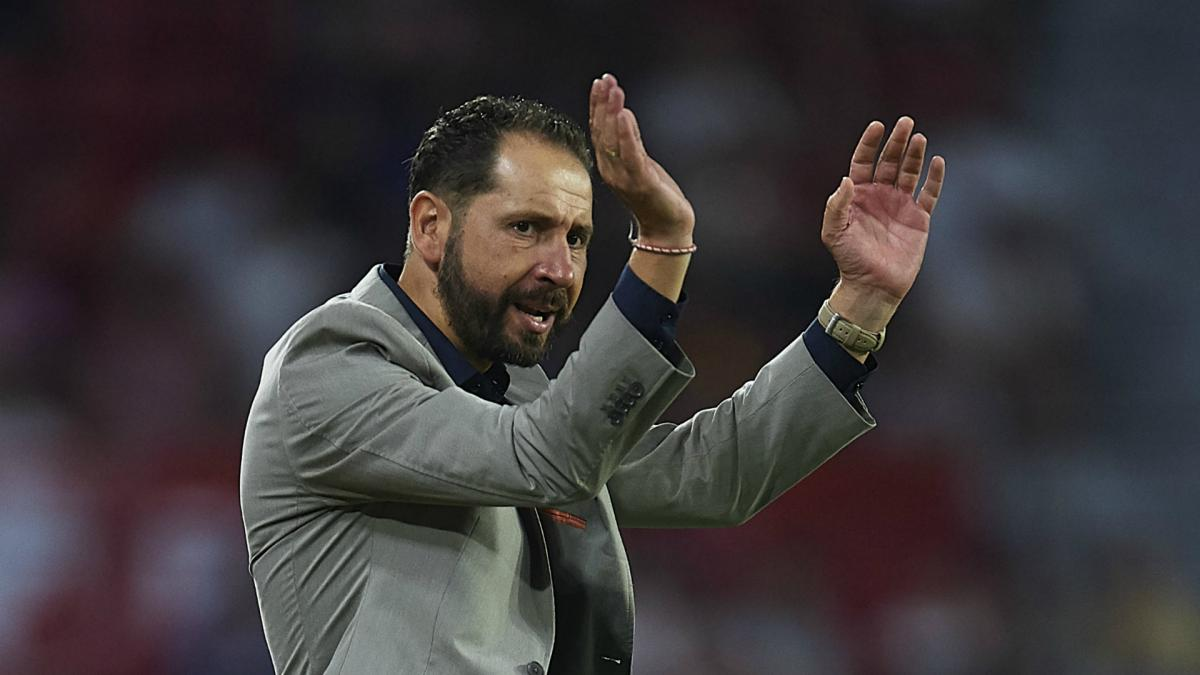 I don't look at the LaLiga table - Sevilla coach Machin