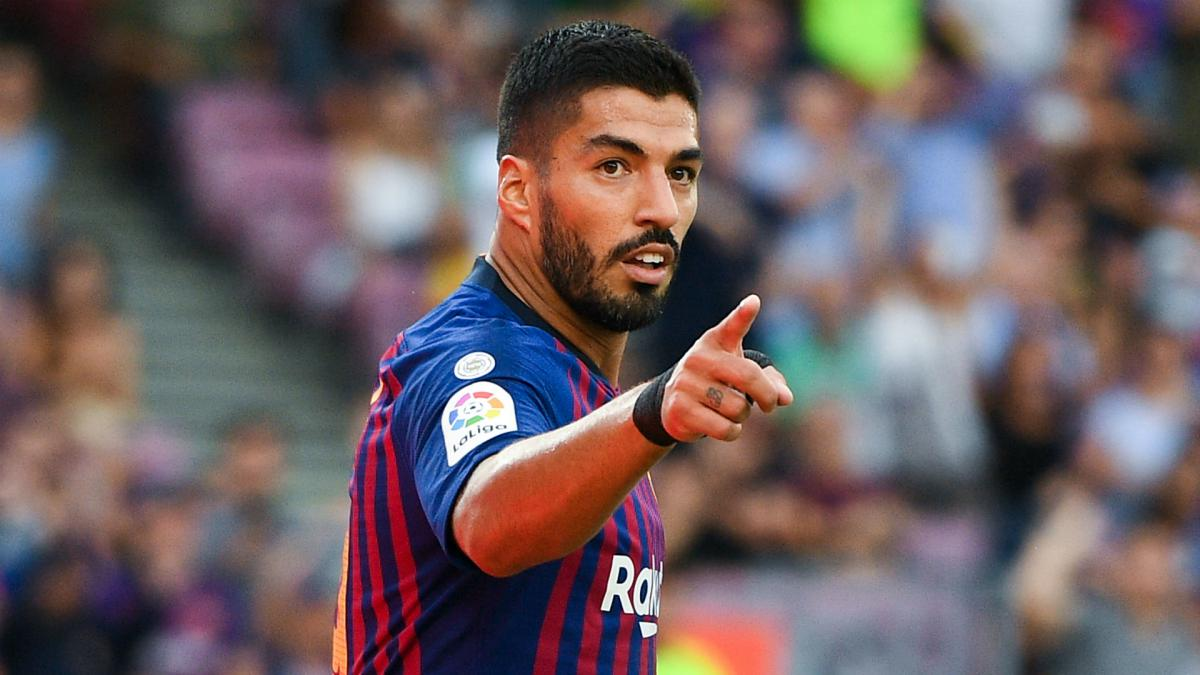 Barcelona: Luis Suárez starts treatment on knee problem