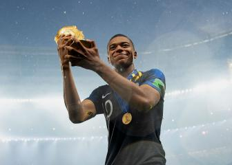 Mbappé focusing on the team, not Ballon d'Or chat