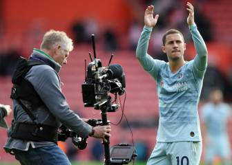 Hazard takes Premier League Player of the Month prize