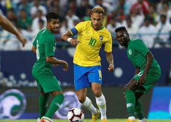 Alex Sandro strikes in stoppage time to seal Brazil victory