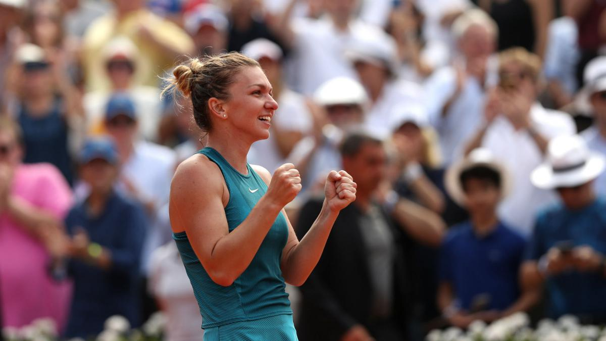 Halep to end 2018 as world number one