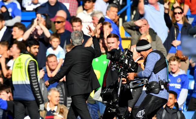 Mourinho Involved In Scuffle After Chelsea S Late Equaliser