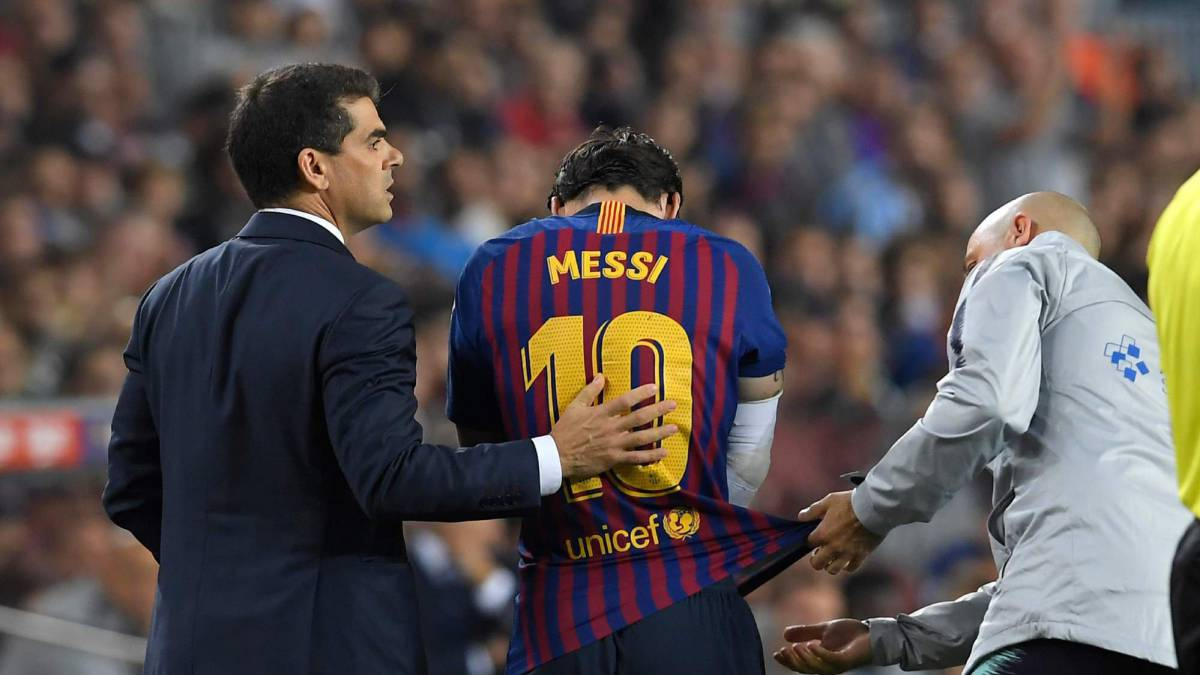 Barcelona's Lionel Messi injury: misses El Clásico, out three weeks