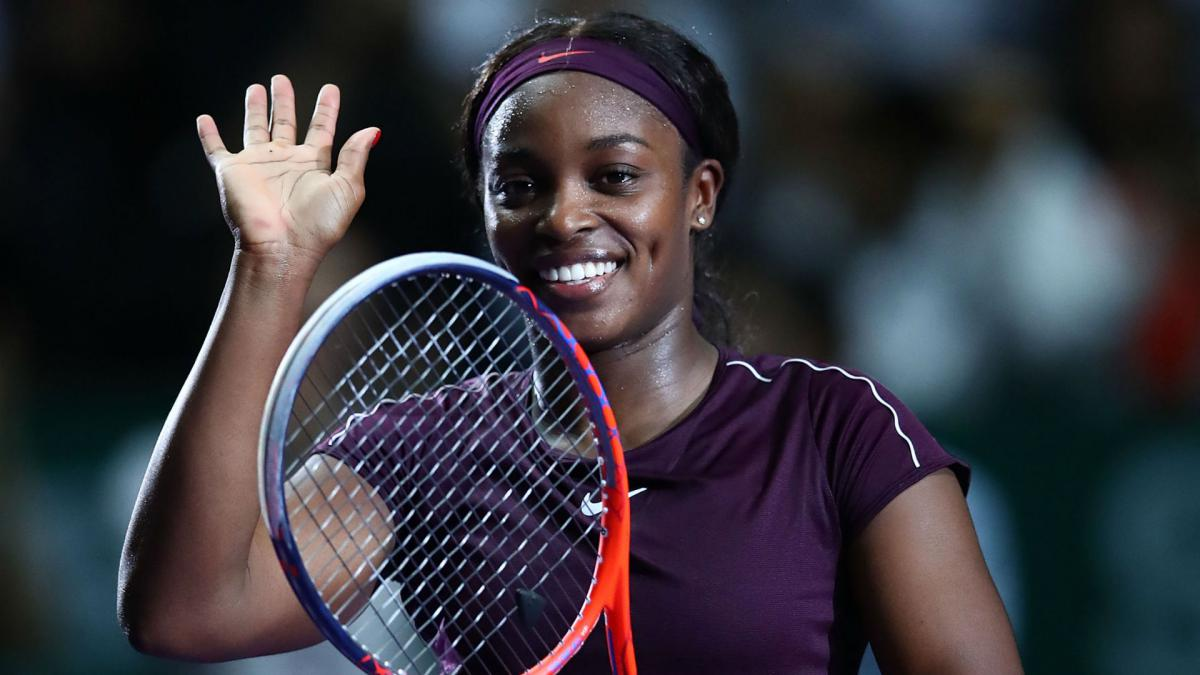 Stephens sees off Osaka in see-saw Singapore battle