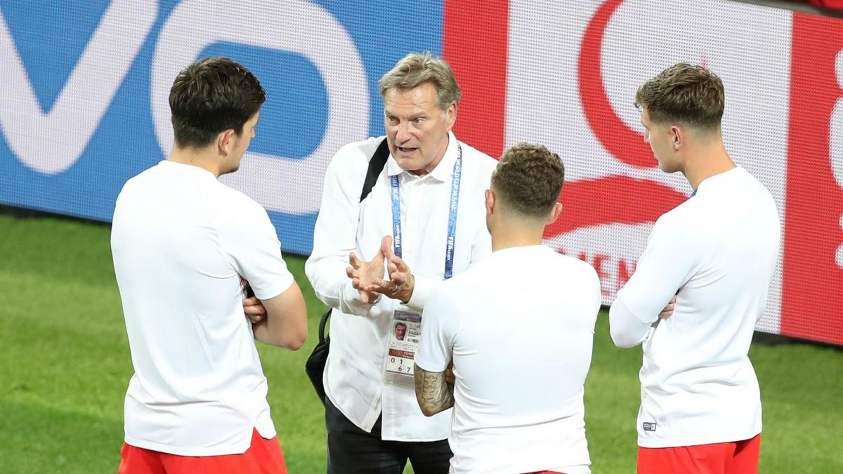 Hoddle still in serious condition after heart attack