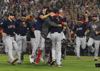 Price, Pearce lead Red Sox to World Series title