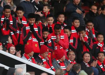 Thai cave survivors honoured by Manchester United