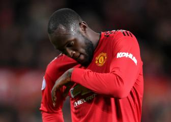 Lukaku left out of Manchester United squad