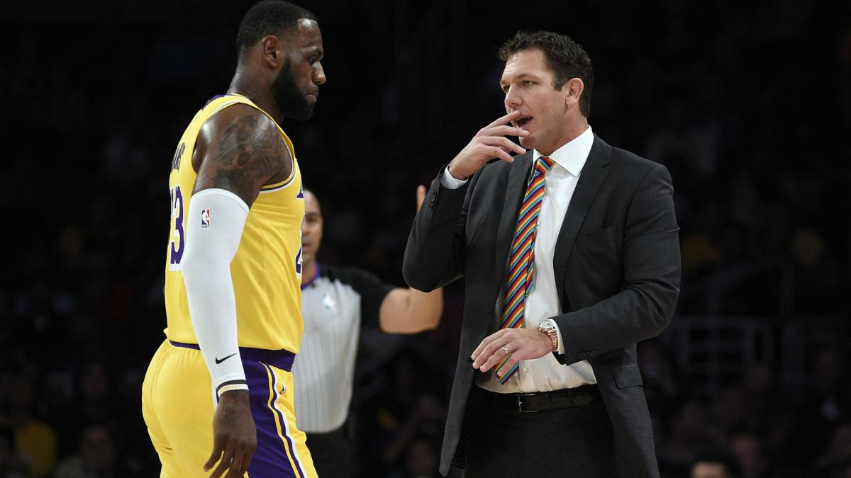 LeBron James defends Luke Walton amid Lakers speculation