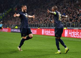 Man United stun Juventus with two late goals in Turin