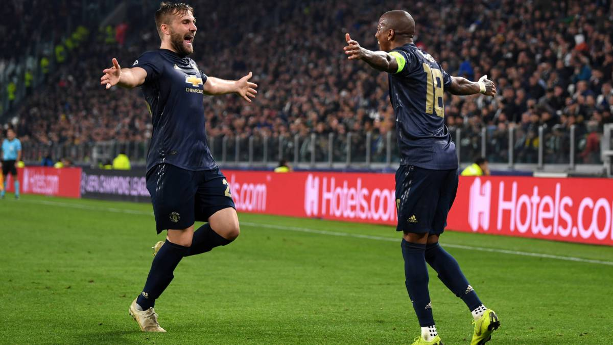 Manchester United stun Juventus with two late goals in Turin