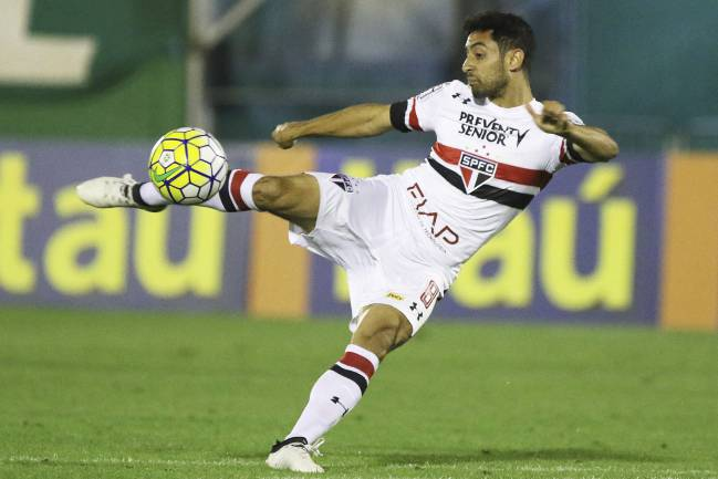 Daniel Corrêa Freitas in action for Sao Paulo.