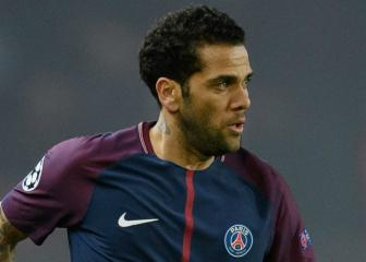Dani Alves determined to play in the Premier League