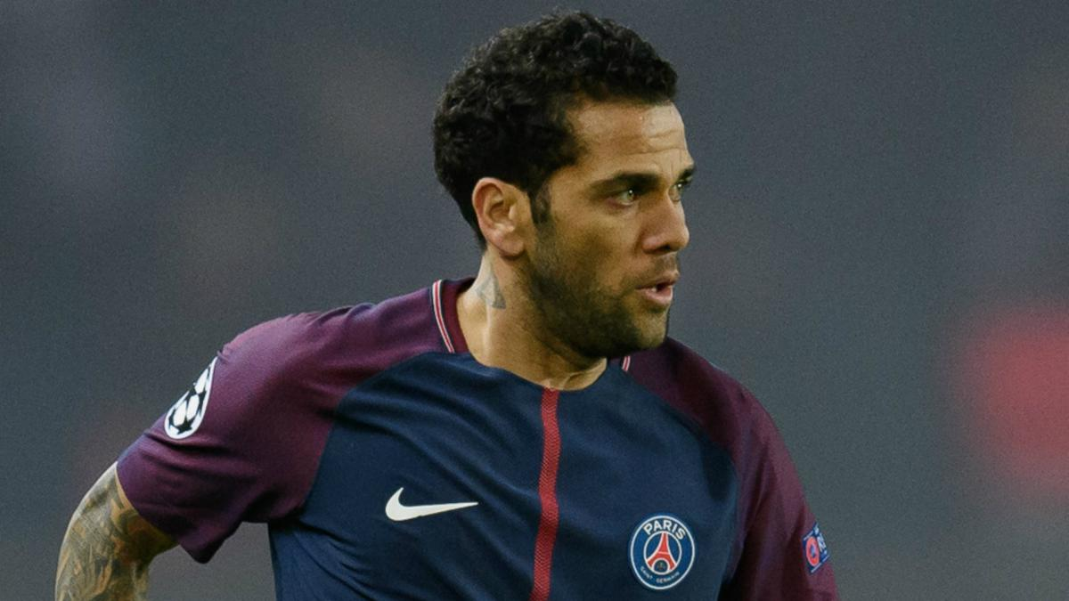 Alves determined to play in the Premier League