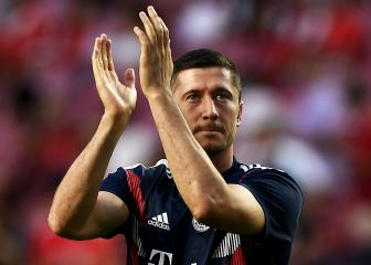 Lewandowski back in Bayern training as Davies joins new team-mates