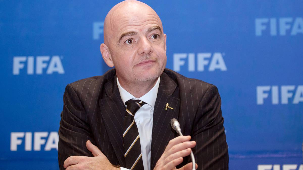 FIFA: Sepp Blatter calls for Infantino to be investigated over meetings
