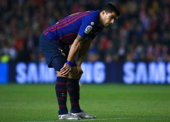 Suárez out for two weeks as Barça suffer treble injury blow