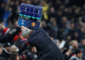 Mourinho loses the plot after late Fellaini winner