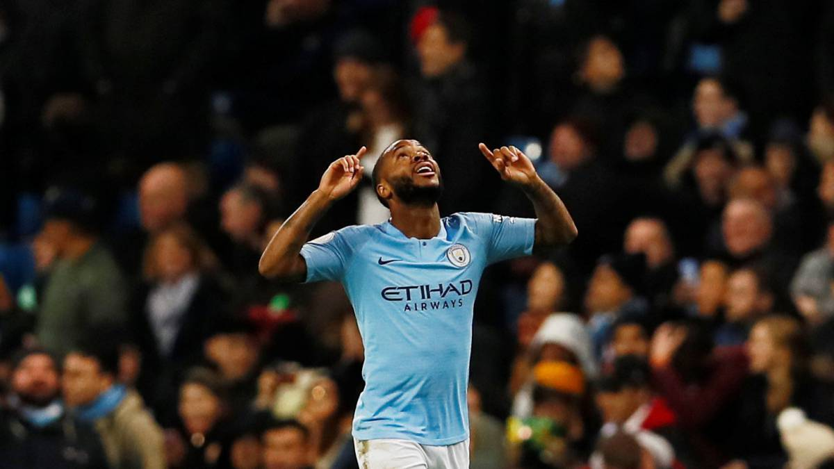 Chelsea and police investigate claims of racial abuse aimed at Raheem Sterling