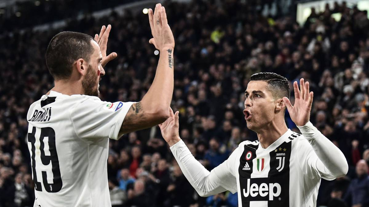 Cristiano Ronaldo's Juve mates enjoy River-Boca from star's box