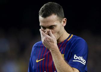 Barcelona's Vermaelen out for a month with calf injury