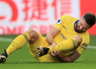 Chelsea: Sarri bemoans injuries after Giroud limps off