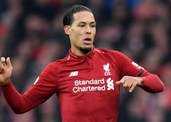 Dalglish texts me before matches - Van Dijk