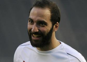 Donnarumma wishes Higuaín all the best for Chelsea move