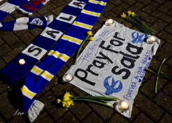 Cardiff and Nantes fans hold vigil for missing Emiliano Sala