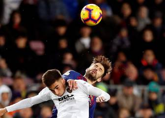 Valencia claim a deserved point in Camp Nou