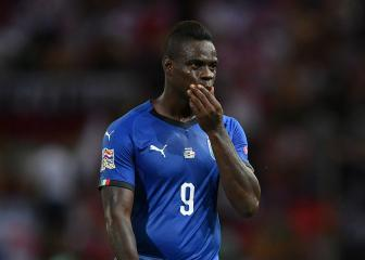 Mancini challenges Balotelli to reclaim Italy place