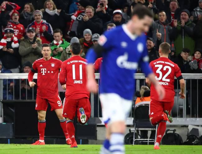 Lewandowski reaches 100 Allianz Arena goals for Bayern