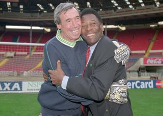 Pelé remembers Gordon Banks: