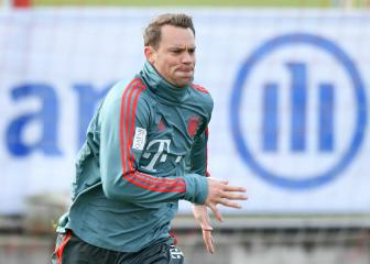 Bayern captain Neuer says he is fit for Liverpool clash