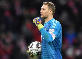 Neuer back in Bayern team after thumb injury