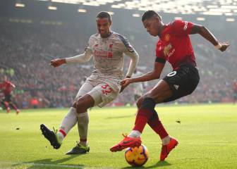 Liverpool return to the summit after drab draw at Old Trafford