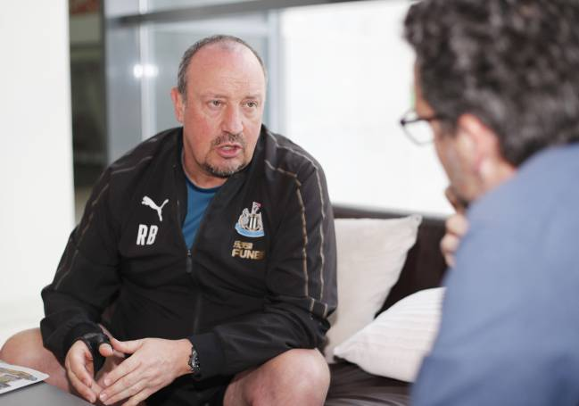 Rafa Benítez chats to AS journalist Conrado Valle.