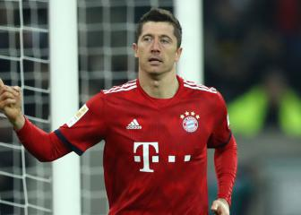 Lewandowski and Bayern go level on two Bundesliga fronts