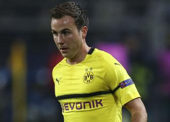 Dortmund's Mario Gotze sidelined with broken rib