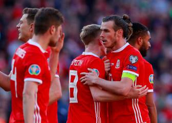 Giggs hails blend of youth and experience in Wales win