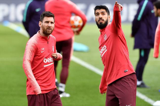 Leo Messi and Luis Suárez during Barcelona's training session at Anfield