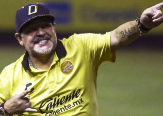 Maradona studying offers from two Argentinean clubs