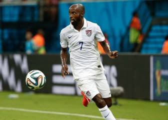 DaMarcus Beasley decides to end his football career