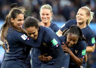 Dominant France lay down World Cup marker in Paris