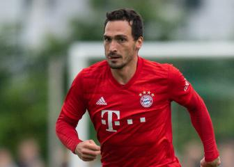 Dortmund agree record fee with Bayern for Hummels