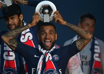 Dani Alves announces PSG exit